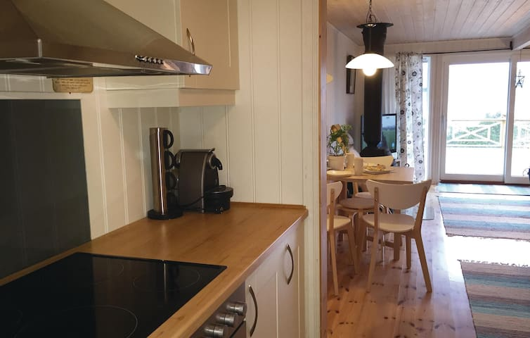Holiday cottage with 3 bedrooms on 80m² in Åsenfjorden