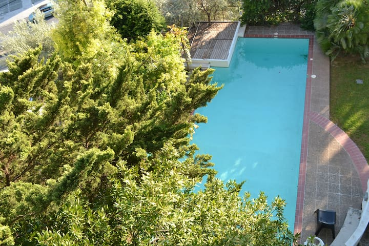 Close to the beach apartment,  with a pool !! - Alimos