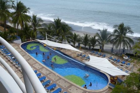 Spaces balcong with stunning ocean view Condo