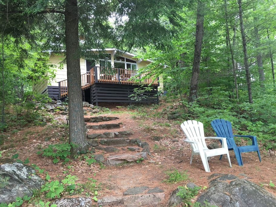 Lakefront cabin 40 min from ottawa cabins for rent in for Lakefront cabins june lake