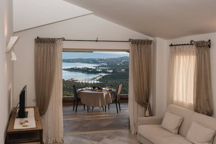 Elegant seaview apartment with pool in Spiaggia Bianca - Ideal for 4 to 6 people