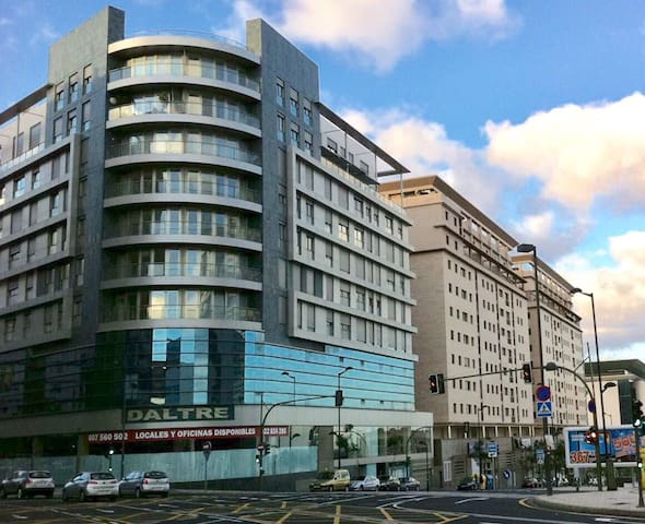 1BDR / 1BA Modern Apartment - 'Zenit' Bldg
