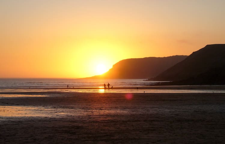 Cosy Chalet, Beautiful Location, explore Gower