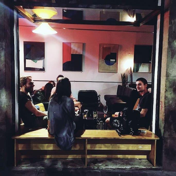 Foto van 33/45 Bar & Gallery