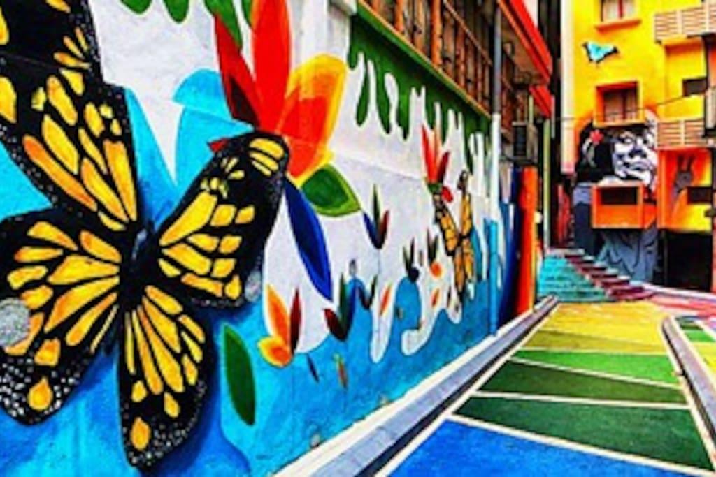 New place for OOTD  Jalan Alor street Art