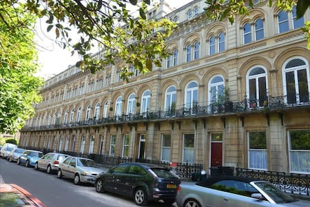 Double room in the heart of Clifton, Bristol - Bristol - Apartment