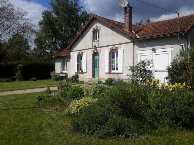 Découverte de l'Yonne - Joigny - Dům