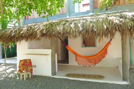 Casinha do Jardim pra 2 com banheiro/mini-cozinha - Jericoacoara - Condomínio