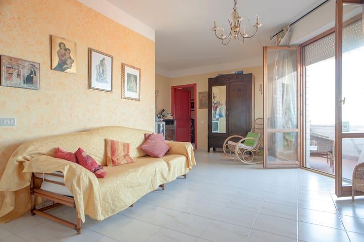Casa Anna enchanting seaview apartm - Livorno - Apartment