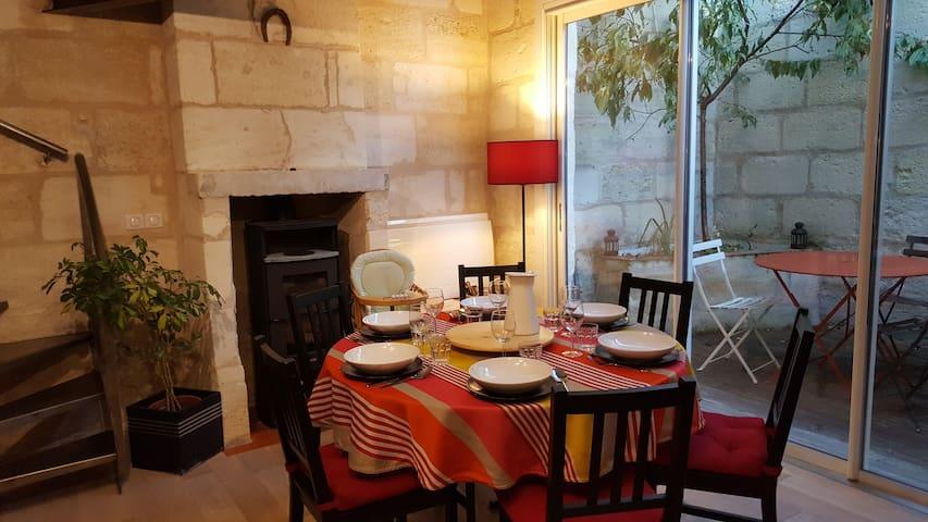 beautiful typical stone house in Bordeaux - Bordeaux - Ev