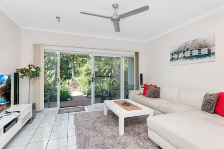 2Bdrms FREE Bottle of Wine, WiFi & Airport Pick Up - Manoora