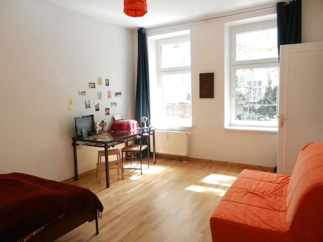 Maisonette in Friedrichshain - Berlim - Apartamento