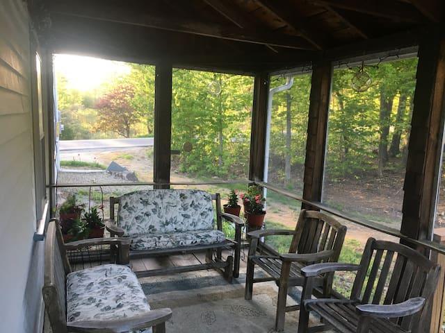8 Bedroom Rustic Barn for Family Gatherings
