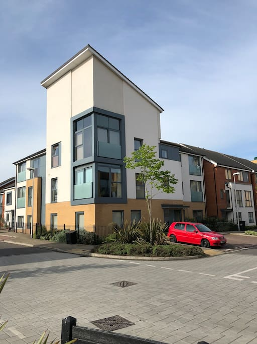 Gorgeous apartment in the heart of the sunning Kennet Island development