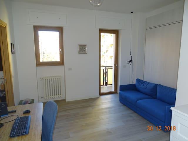Graziosa stanza indipendente a Milano