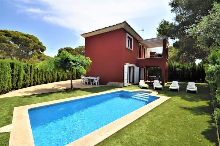 Villa Albeniz - Acogedor chalet con piscina
