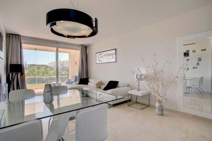 Beautiful ground floor apartment by the Lagoon