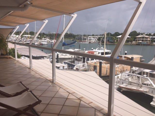 Darwin- Cullen Bay water views next to beach - Larrakeyah - Apartamento