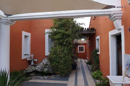 Studio quartier calme résidentiel - Narbonne - Villa