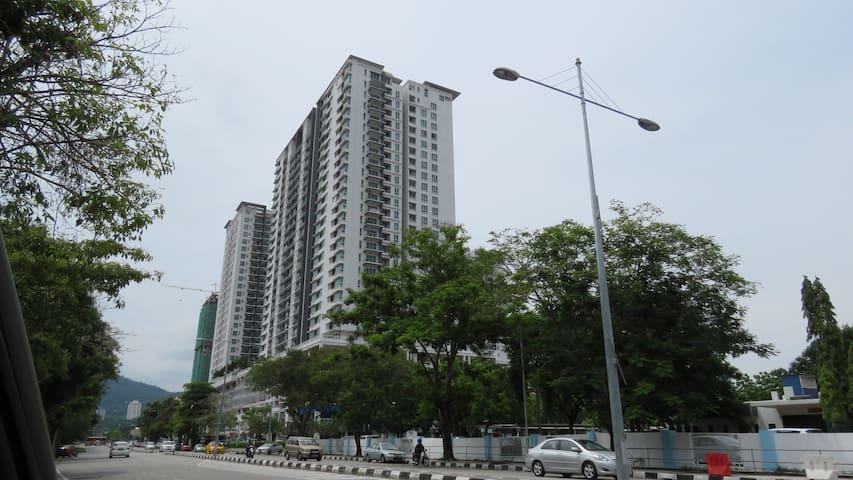 Elit Apartment - Bayan Lepas - Apartemen