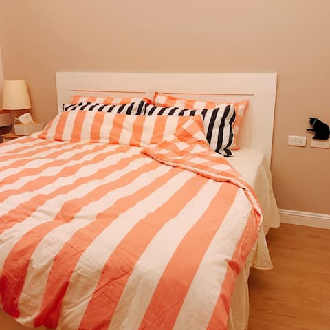 Comfortable B&B, entire floor, private space, perfect for having your own place, with indoor parking, 30 minutes drive from Taoyuan Airport
