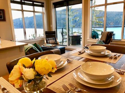 Coastal Comfort ~ Luxury 100 feet above the Sea