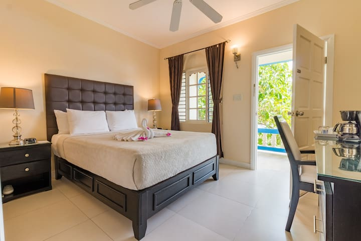 Standard Room · Garden View Room on 7-Mile Beach
