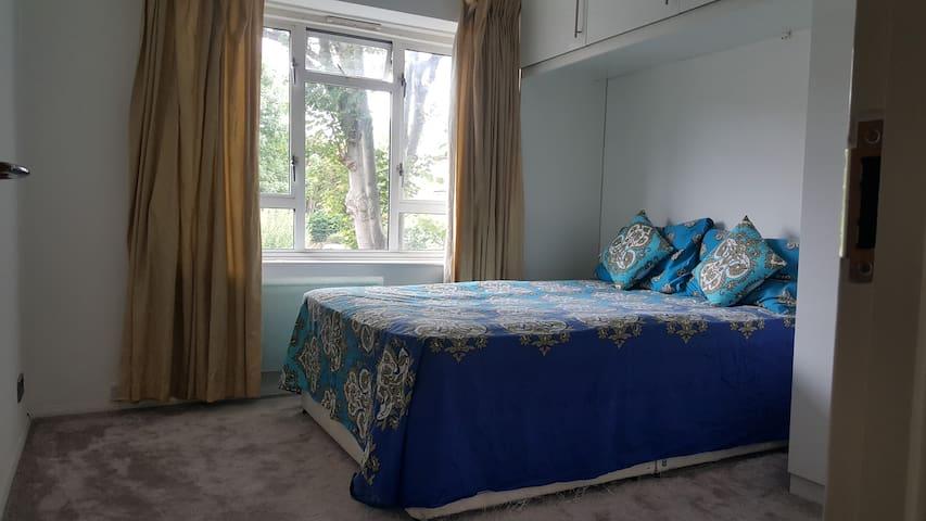 Comfy/stylish 2 bed flat 7min walk to train statio - South Croydon