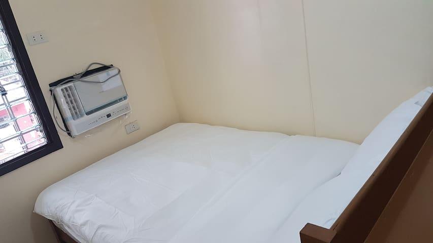 Solo AC Window Room Makati Ave Ayala Paseo Roxas