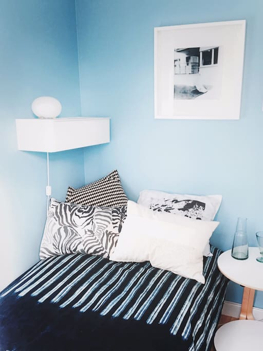 peaceful bed and breakfast on stora essingen bed and breakfasts for rent in stockholm. Black Bedroom Furniture Sets. Home Design Ideas