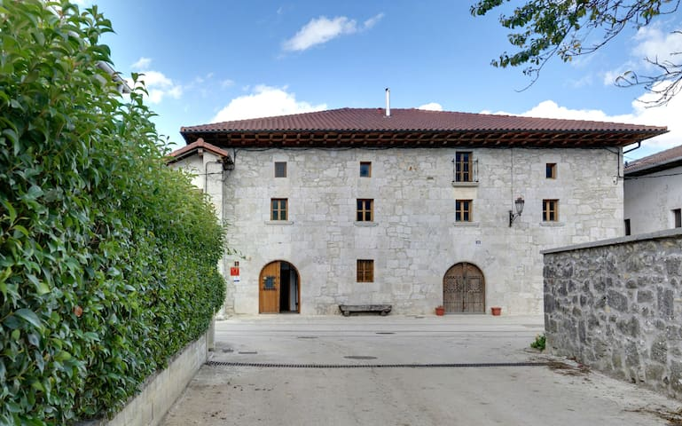 1786 house in the countryside