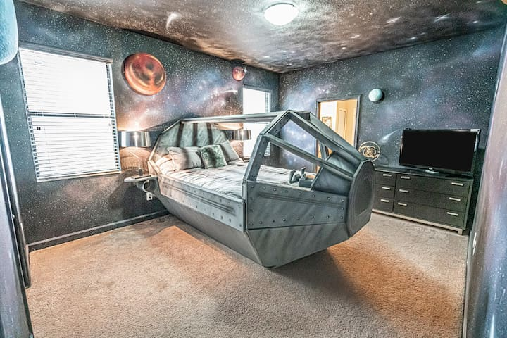 Twelve Parsecs by Loma Homes | Professionally Cleaned