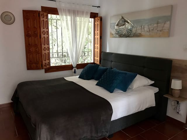 Familyroom (2 or 4 persons) with private bathroom