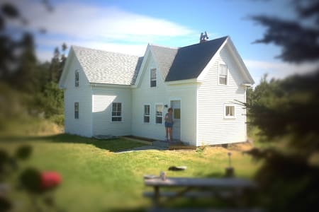 Farmhouse on Island Paradise - Vinalhaven - House