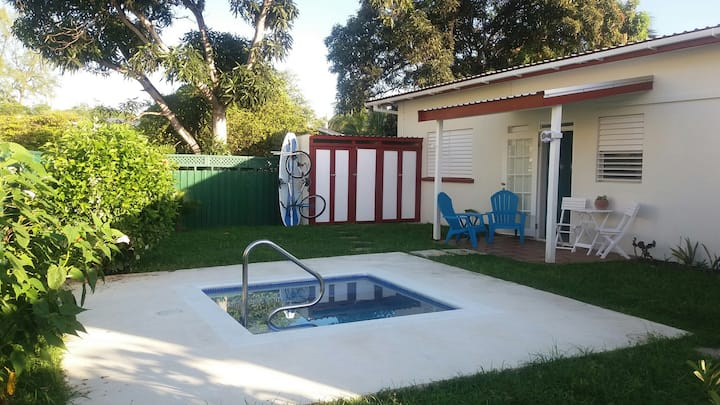South Point Row - Self Catering Studio With Pool