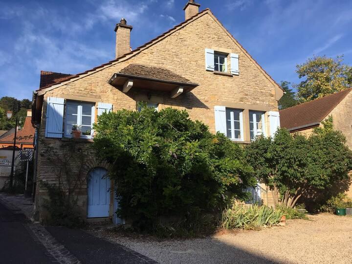 Une maison vigneronne au coeur des Cortons
