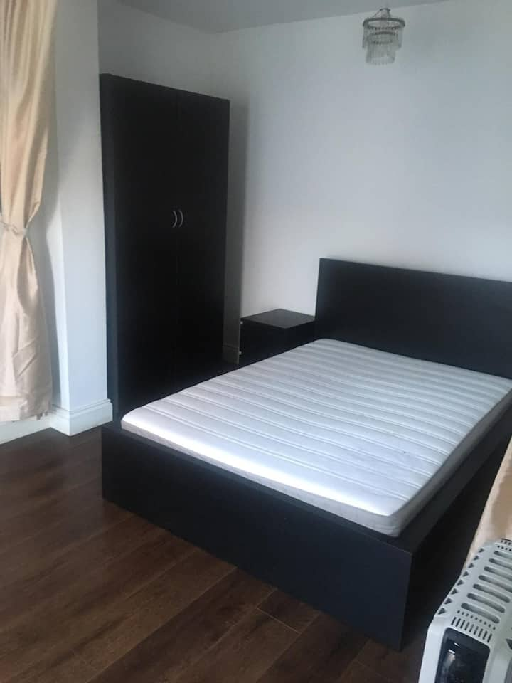 1 Bed Private Room with Private Kitchen & W/C
