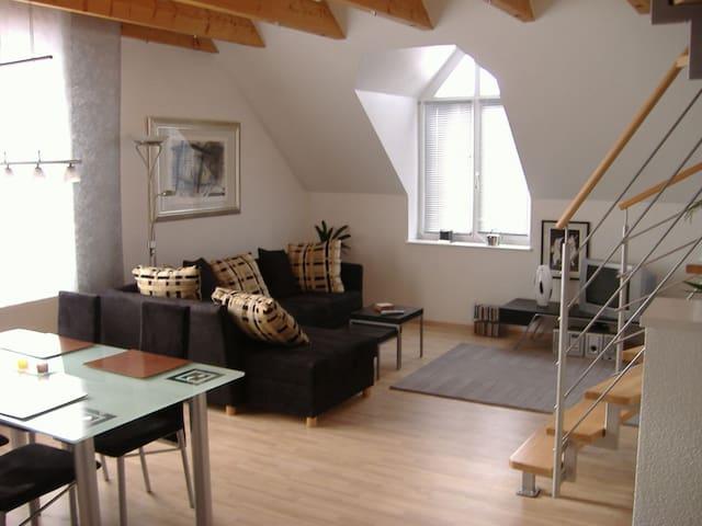 Wunderschöne Maisonette in TOP Lage - Herzogenaurach - Apartmen