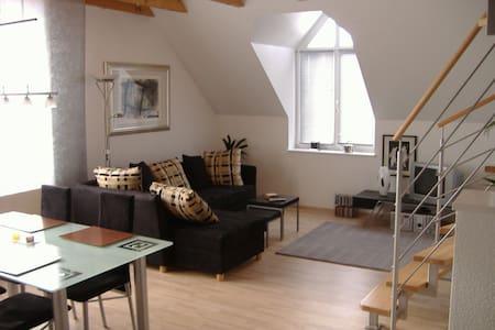 Wunderschöne Maisonette in TOP Lage - Herzogenaurach - Lejlighed