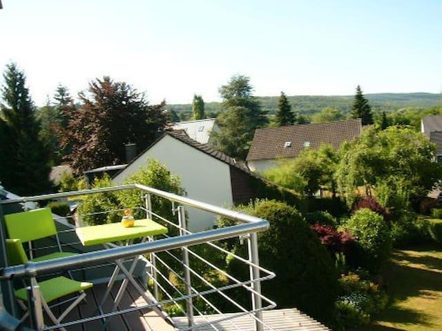 Ferienwohnung Porta Alba, Dachbalkon mit Fernsicht - Trier - Huoneisto