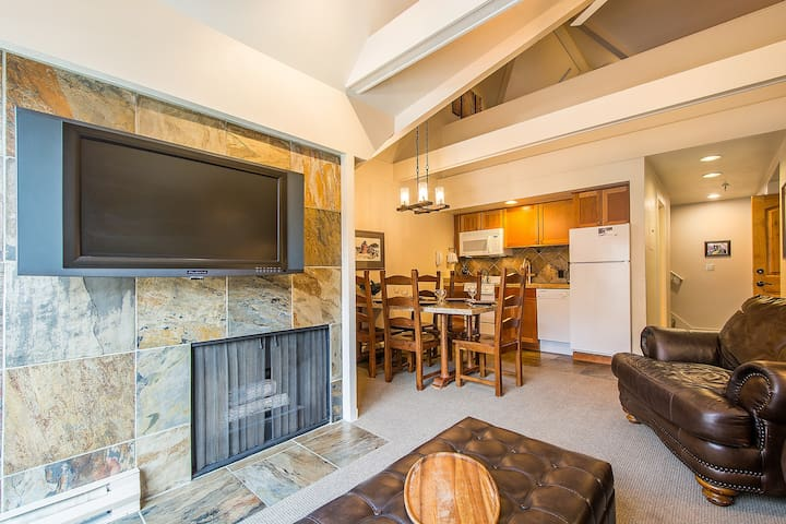 SKI-IN/SKI-OUT with SLOPESIDE MTN VIEW! April $295 - Park City - Wohnung