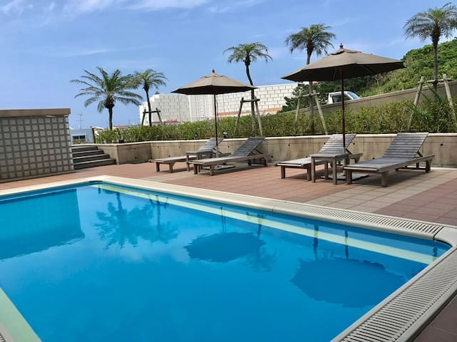 In this luxury resort apartment with pool. It can be used in October from May.
