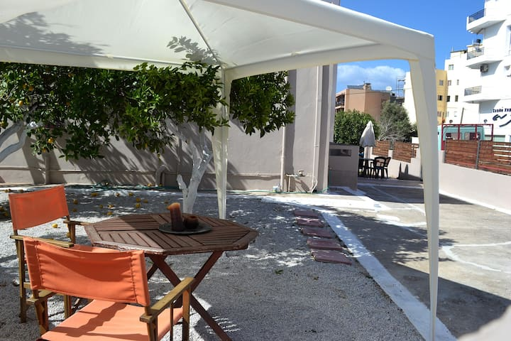 A quiet Downtown Apartment - Chania - Huis