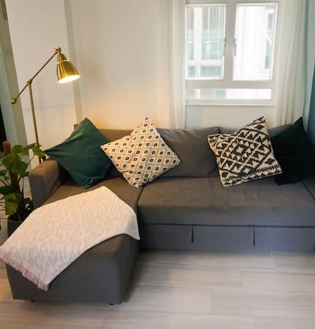 Spacious 1 bed apartment on Hong Kong Island