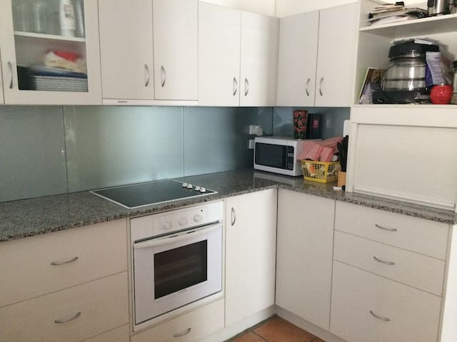 full use of Kitchen and appliances