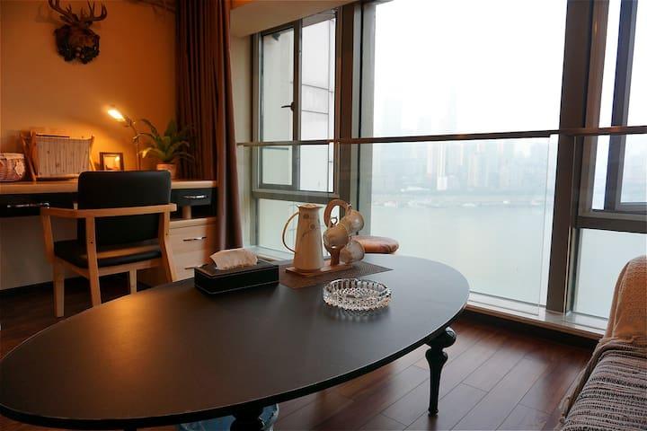 《悅江》大落地窗  看渝中半岛  绝色夜景  棒哒哒滴!!!(江与城民宿) - Chongqing