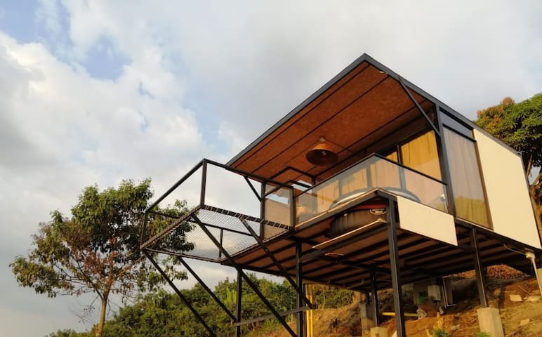 "Magnificent View Glamping ""Cristal House"""