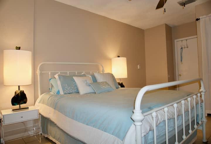 Ocean Room in Sunny Gulfport