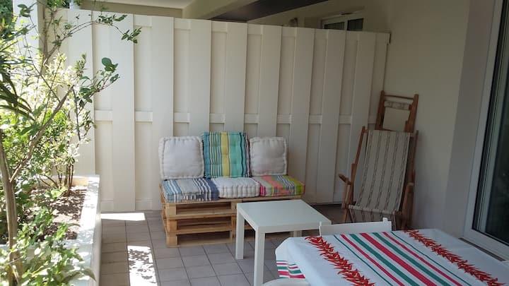 Studio  résidence calme piscine et parking privés