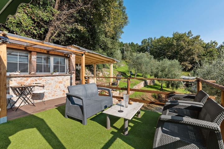 Rustic Holiday Home in  Monsagrat with Private Pool